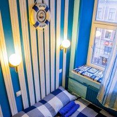 Мини-отель Pro100Piter Семейный номер Эконом с разными типами кроватей (общая ванная комната) фото 2