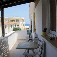Отель Polyxenia Isaak Annex Apartment Кипр, Протарас - отзывы, цены и фото номеров - забронировать отель Polyxenia Isaak Annex Apartment онлайн балкон