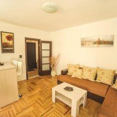 Апартаменты Azzuro Lux Apartments комната для гостей