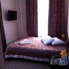 Гостиница На Цветном 2* Улучшенный номер с двуспальной кроватью