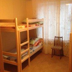 Hostel U Dyadi Vani Кровать в мужском общем номере с двухъярусной кроватью