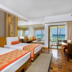 Отель Outrigger Laguna Phuket Beach Resort 5* Стандартный номер с двуспальной кроватью фото 3