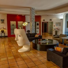 Hotel Arles Plaza Арль интерьер отеля фото 2