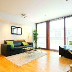 Апартаменты Mitchell Street Glasgow Apartment комната для гостей фото 3