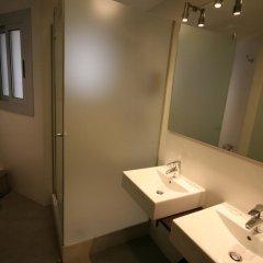 Отель Apartamentos Turisticos Madanis Испания, Оспиталет-де-Льобрегат - 2 отзыва об отеле, цены и фото номеров - забронировать отель Apartamentos Turisticos Madanis онлайн ванная