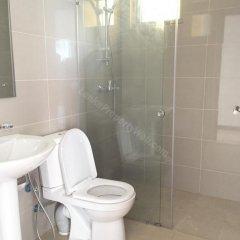 Отель luxury in the heart of Colombo Шри-Ланка, Коломбо - отзывы, цены и фото номеров - забронировать отель luxury in the heart of Colombo онлайн ванная