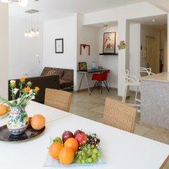 Апартаменты FeelHome Apartments - Eduard Bernstein Street в номере