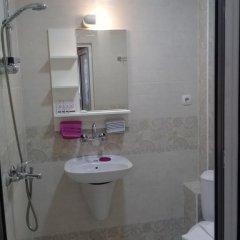 Отель Sandanski Peak Guest Rooms Болгария, Сандански - отзывы, цены и фото номеров - забронировать отель Sandanski Peak Guest Rooms онлайн ванная фото 2