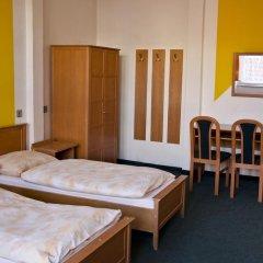 AZ-Hostel Кровать в женском общем номере с двухъярусной кроватью фото 3