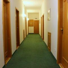 Отель Flora Чехия, Марианске-Лазне - отзывы, цены и фото номеров - забронировать отель Flora онлайн интерьер отеля фото 2