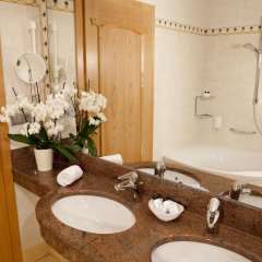 Hotel Schwefelbad 4* Номер Делюкс фото 5