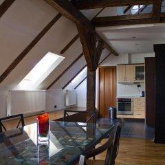 Апартаменты Charles Bridge Apartments Улучшенные апартаменты с различными типами кроватей фото 10