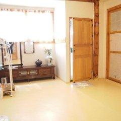 Отель Gaonjae Hanok Guesthouse Южная Корея, Сеул - отзывы, цены и фото номеров - забронировать отель Gaonjae Hanok Guesthouse онлайн фитнесс-зал фото 2