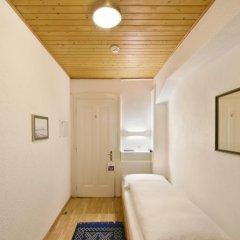Hotel National Bern 2* Стандартный номер с различными типами кроватей (общая ванная комната) фото 4