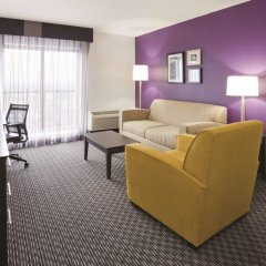 Отель La Quinta Inn & Suites Mpls-Bloomington West 3* Номер Делюкс фото 4