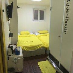 Отель 24 Guesthouse Seoul City Hall 2* Улучшенный номер с 2 отдельными кроватями фото 4