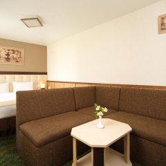 Гостиница Яхонты Таруса Стандартный семейный номер с двуспальной кроватью фото 8