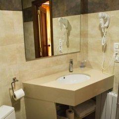 Hotel L'Escala ванная