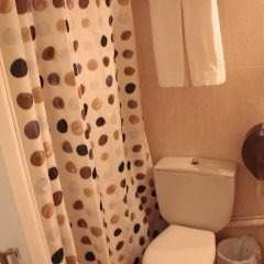 Отель Hostalet De Barcelona 2* Номер с общей ванной комнатой фото 4