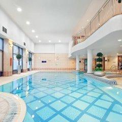 Отель Glasgow Lofts бассейн