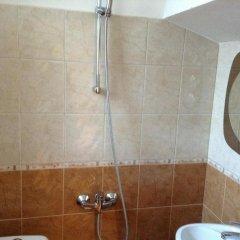 Отель Guest Rooms Toni & Miro Болгария, Трявна - отзывы, цены и фото номеров - забронировать отель Guest Rooms Toni & Miro онлайн ванная фото 2