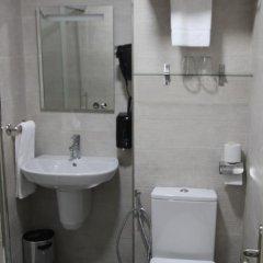 Отель Hostal Roma Стандартный номер с различными типами кроватей фото 11