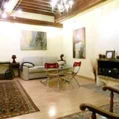 Отель Vieux Lyon Cour Renaissance Франция, Лион - отзывы, цены и фото номеров - забронировать отель Vieux Lyon Cour Renaissance онлайн комната для гостей фото 2