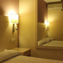 Отель Hostal Fina Испания, Барселона - отзывы, цены и фото номеров - забронировать отель Hostal Fina онлайн спа фото 2