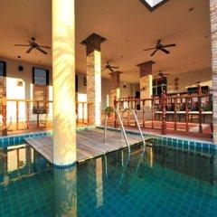 Отель Apk Resort Патонг бассейн