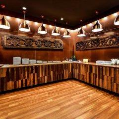 Апартаменты Nin Apartments Karon Beach гостиничный бар