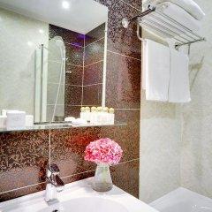 Гостиница Де Пари 4* Улучшенный номер с двуспальной кроватью фото 17