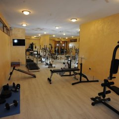 Hotel Aris фитнесс-зал
