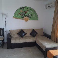 Апартаменты Hermes Apartment Солнечный берег комната для гостей фото 2