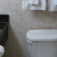 Отель Holiday Inn Vicksburg США, Виксбург - отзывы, цены и фото номеров - забронировать отель Holiday Inn Vicksburg онлайн ванная