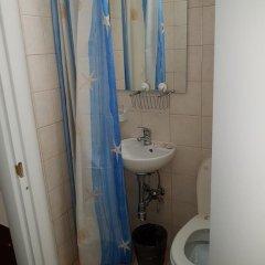 Отель Evergreen Стандартный номер с различными типами кроватей (общая ванная комната) фото 5