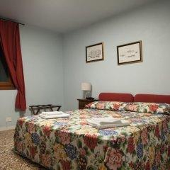 Отель Locanda Ai Santi Apostoli 3* Стандартный номер с различными типами кроватей фото 17