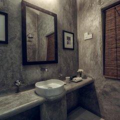 Отель Taru Villas-Lake Lodge Шри-Ланка, Коломбо - отзывы, цены и фото номеров - забронировать отель Taru Villas-Lake Lodge онлайн ванная