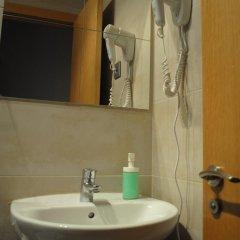 Отель Hostal Abril Стандартный номер с различными типами кроватей фото 2
