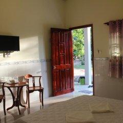 Отель Hoa Nhat Lan Bungalow 2* Стандартный номер с двуспальной кроватью фото 6