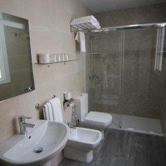 Отель Hostal Roma Стандартный номер с различными типами кроватей