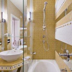 Mamaison Hotel Riverside Prague 4* Улучшенный номер с различными типами кроватей фото 2