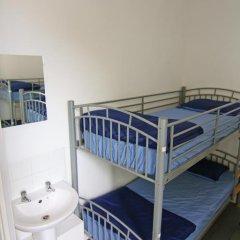 Brighton Youth Hostel Кровать в общем номере с двухъярусной кроватью фото 9