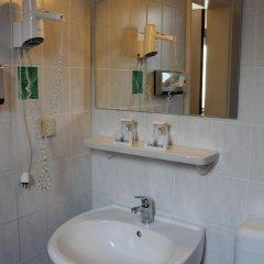 Hotel Engelbertz 2* Стандартный номер с различными типами кроватей фото 9