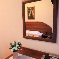 Гостевой Дом Золотая Середина Номер Эконом с двуспальной кроватью фото 4