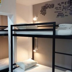 M Hostel Lanta Кровать в общем номере с двухъярусной кроватью фото 4