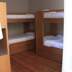 Being Porto Hostel Кровать в общем номере с двухъярусной кроватью