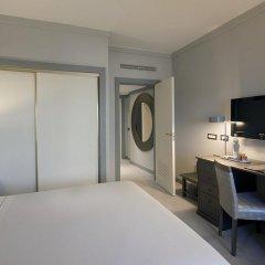 Отель Tivoli Oriente 4* Улучшенный номер с различными типами кроватей фото 7
