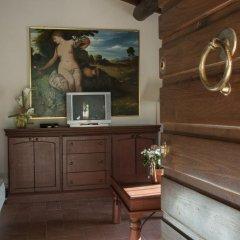 Отель Frantoio di Corsanico Италия, Массароза - отзывы, цены и фото номеров - забронировать отель Frantoio di Corsanico онлайн удобства в номере