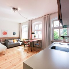 Апартаменты Sunny Boutique Studio Apartment в номере