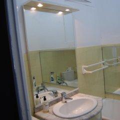 Отель Appartement hotel azur Франция, Ницца - отзывы, цены и фото номеров - забронировать отель Appartement hotel azur онлайн ванная фото 2